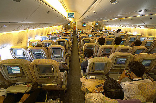 Boeing 777 300 Pictures Technical Data History Barrie