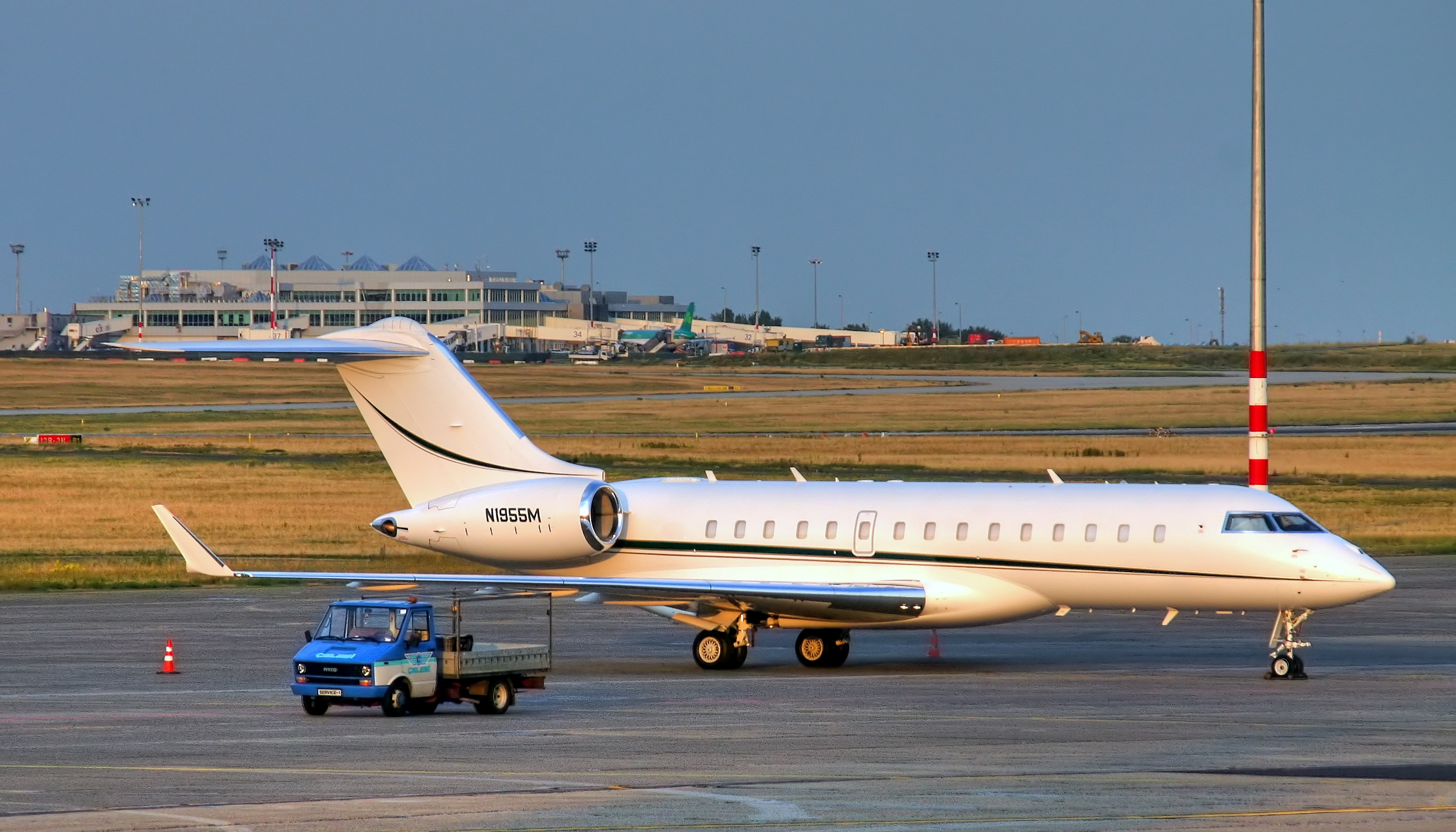 Bombardier BD-700 Global Express #2