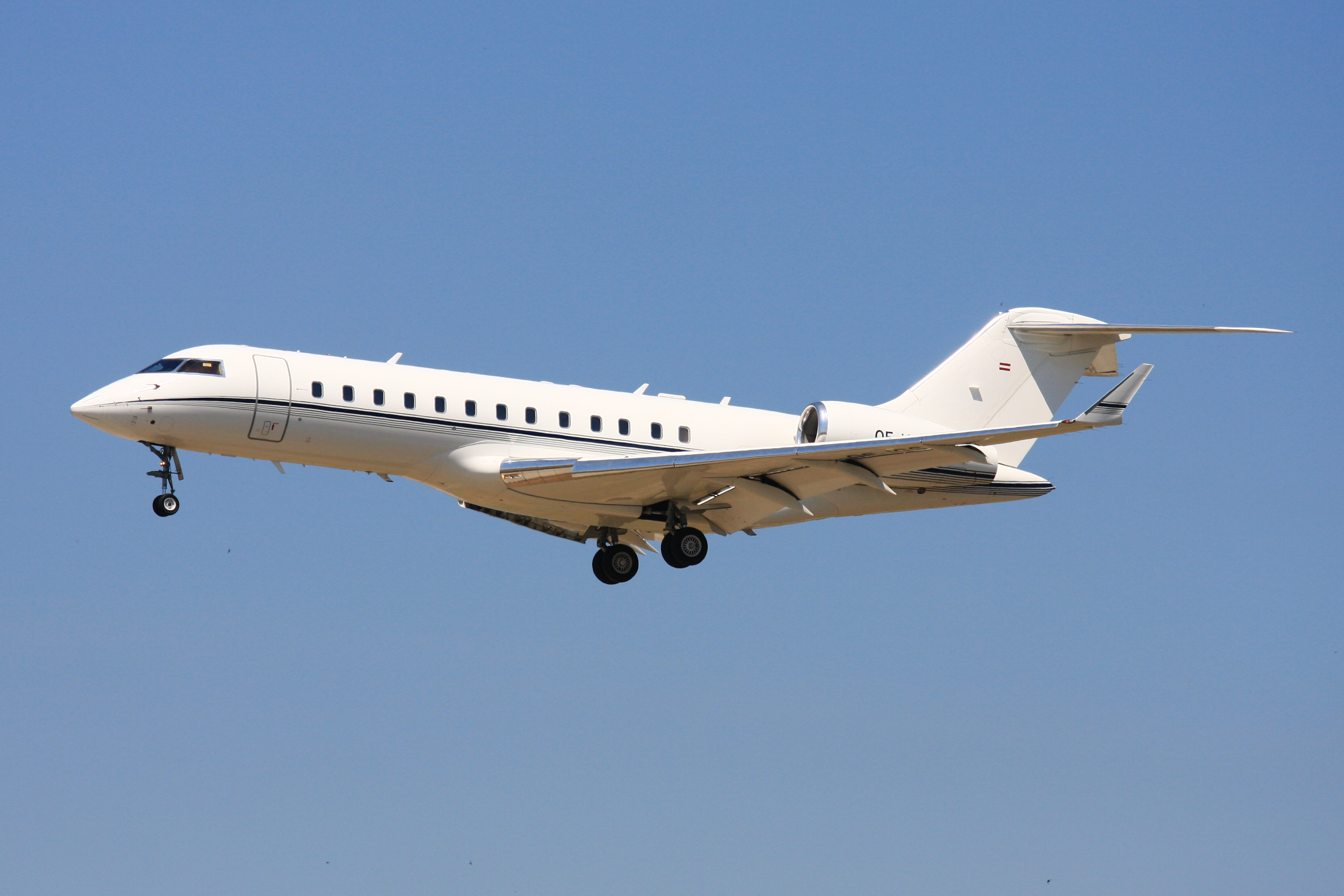 Bombardier BD-700 Global Express #3