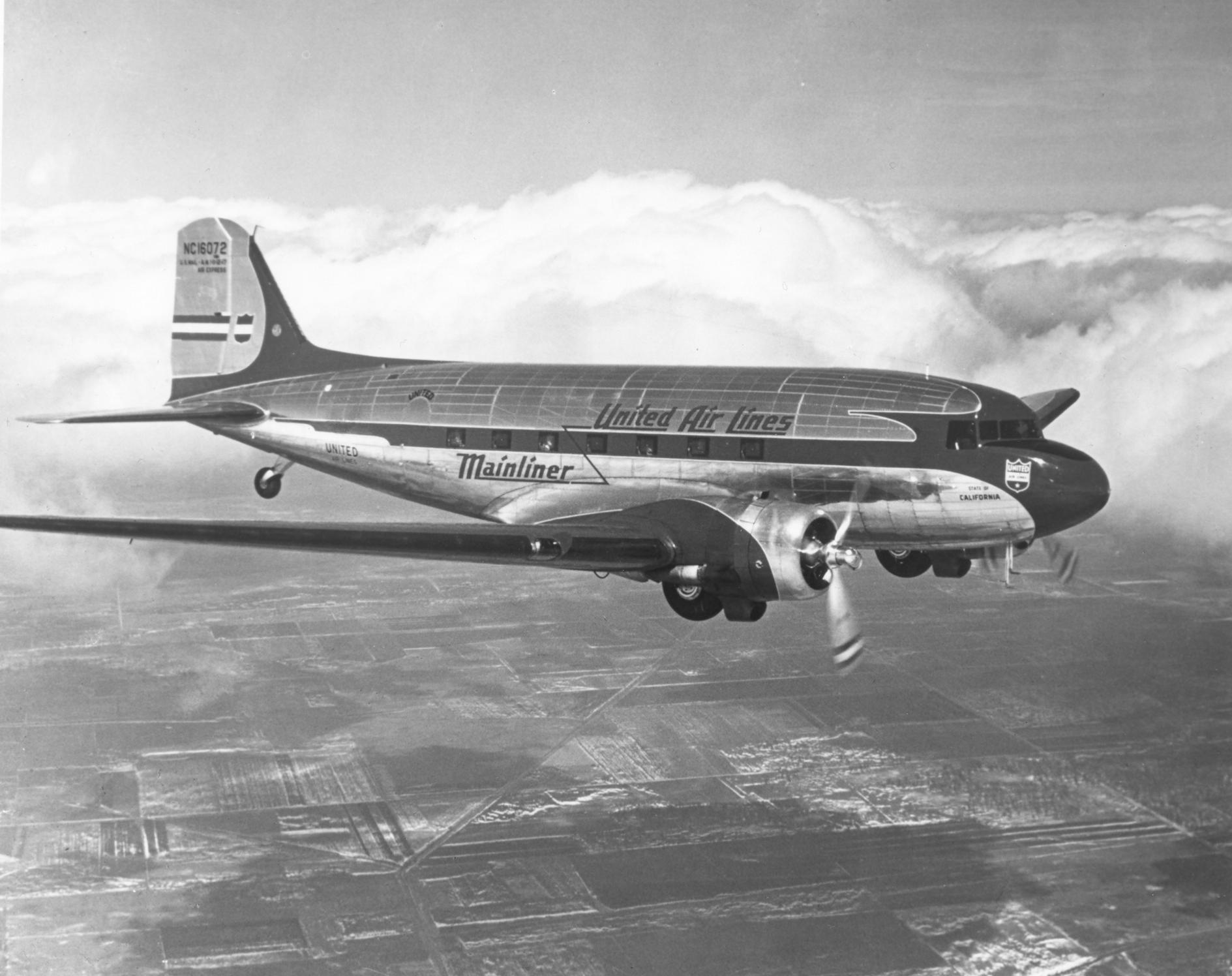 champ rc airplane with Douglas Dc 3 on 15 likewise plete Tail  Ch  Hbz4931 furthermore 112244497850 in addition File Boeing 747 crash bxl moreover 252724840928.