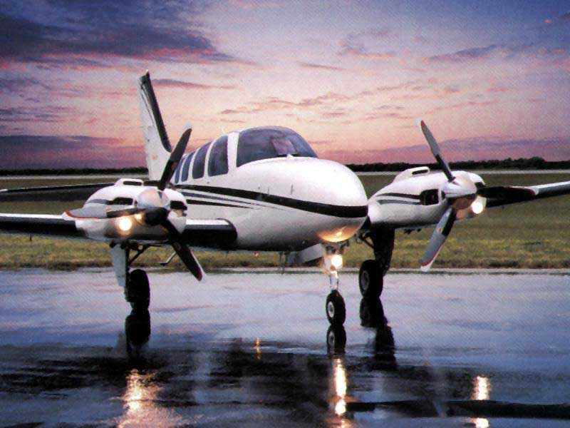Raytheon Beechcraft Baron #7